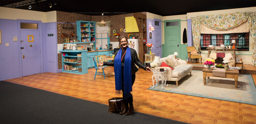 Hannah Standing Proud By Monica S Apartment Set At Friends