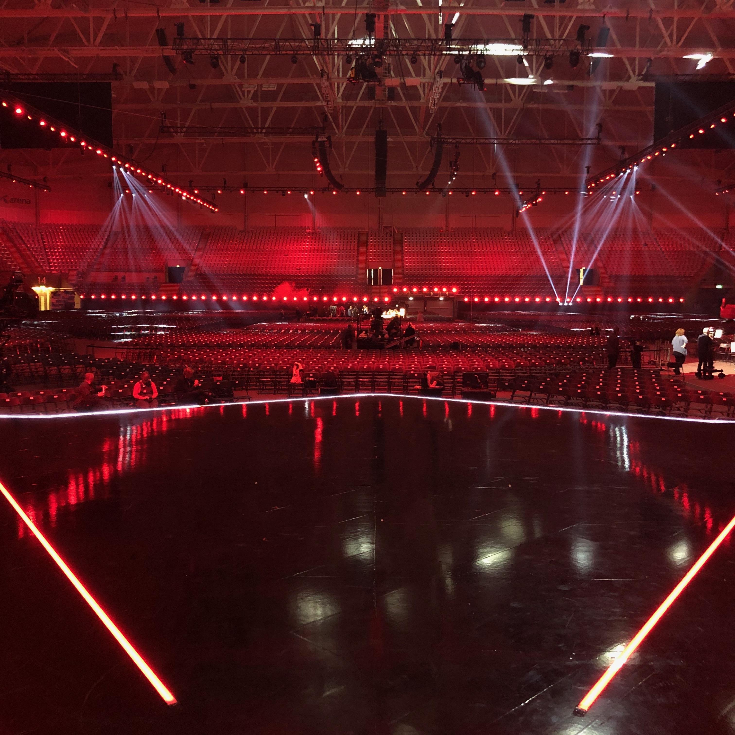 Le Mark StudioTak Gloss Black Stage Floor